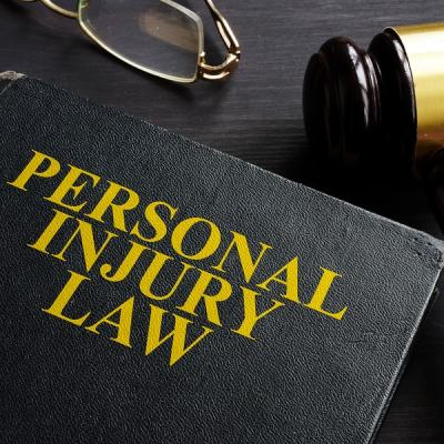 Six Benefits of Hiring a Personal Injury Lawyer