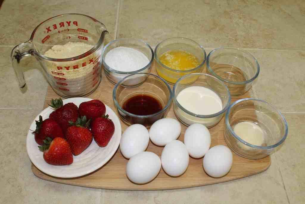 Ingredients to make Strawberry Keto Bread