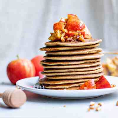 Delicious Apple Pie Pancakes