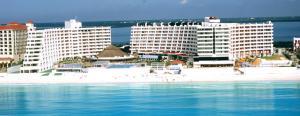 Hotel-Crown-Paradise