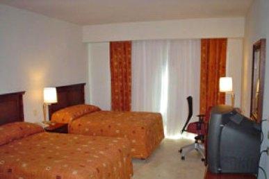 hotel-holiday-inn-ixtapa-2