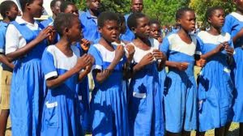 Malawi Teachers defile students