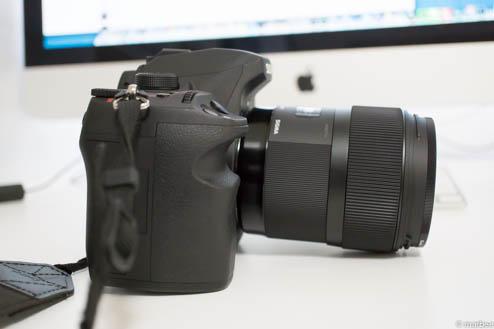 SIGMA35mmF1.4_DG_HSMをSD1Merrillに装着(側面)