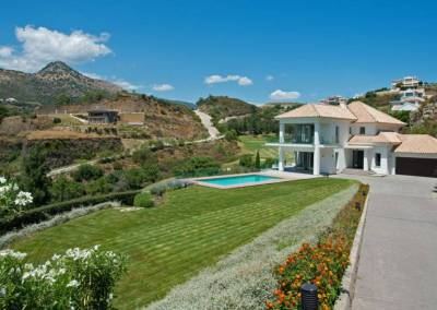 Newly Finished Contemporary Villa for Sale 2,350,000 euros