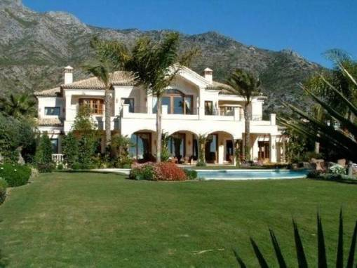 Large Marbella Hill Club Villa 9,000,000 euros