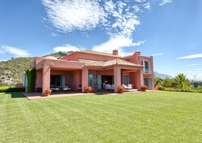 Pretty Hill Top Villa for Sale – 3,500,000