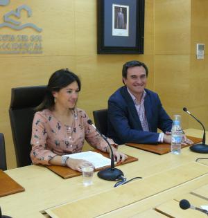 La presidenta de la Mancomunidad Occidental, Margarita del Cid este viernes en rueda de prensa junto a Félix Romero