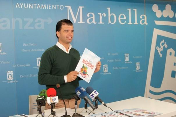 El concejal de Fiestas, Diego López, cuando presentó el programa de Navidad  en 2014