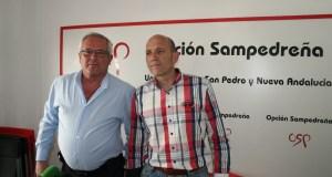 El presidente de OSP, Manuel Osorio, (dcha), junto al teniente alcalde de San Pedro, Rafael Piña, del mismo partido, en una foto de archivo.