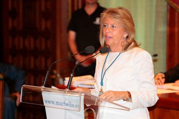 La exalcaldesa de Marbella Ángeles Muñoz durante su discurso en el pleno de investidura del 13 de junio. Foto/ marbellaconfidencial.es
