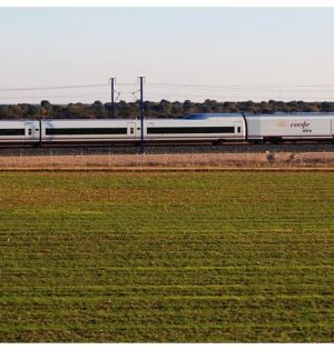 Un convoy del tren AVE Madrid-Málaga. Foto/ Renfe-Europa Press
