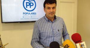 El 'número 2' del PP de Marbella, Cristóbal Garre, en rueda de prensa reciente. Foto/ marbellaconfidencial.es