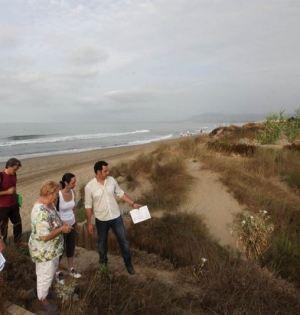 El concejal de Sostenibilidad, Miguel Díaz, en una imagen de archivo junto a miembros de la Asociación Produnas