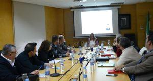 La vicepresidenta de la Mancomunidad Occidental, Ángeles Muñoz, preside este viernes una reunión con responsables de turismo de los once municipios. Foto/ EP