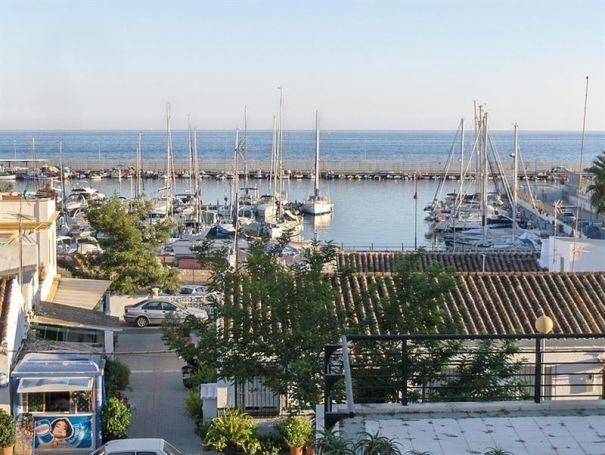 Imagen del Puerto de La Bajadilla de Marbella. Foto/ Europa Press