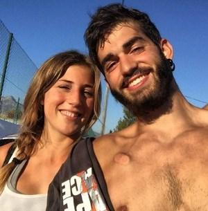 Pablo Ráez junto a su novia en una imagen reciente