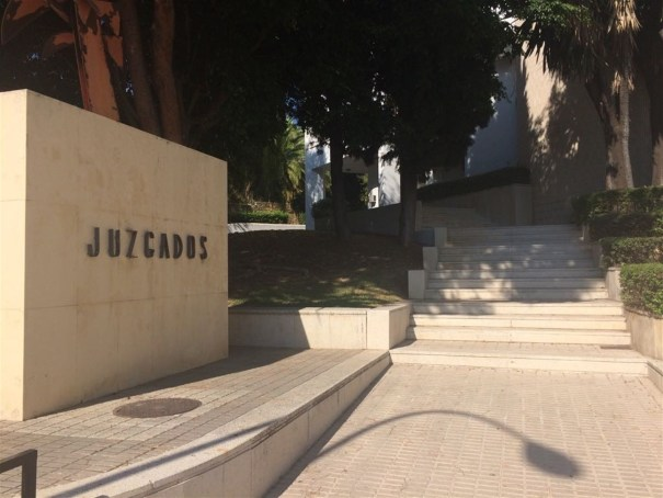 Imagen de entrada a los Juzgados de Marbella. Foto/ EP