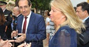 El fiscal jefe de Área de Marbella, Julio Martínez Carazo, en imagen de archivo, tras saludar a la alcaldesa de Marbella, Ángeles Muñoz. FOTO/ JAVIER MARTÍN