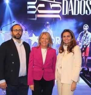 La alcaldesa de Marbella, Ángeles Muñoz, posa junto a los organizadores de Starlite Sandra García Sanjuan e Ignacio Maluquer en imagen de archivo. FOTO/ Ayto de Marbella