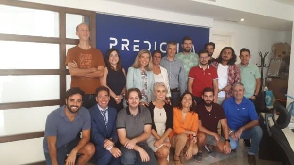 Responsables de Andalucía Emprende junto a profesionales y emprendedores este jueves en Marbella. FOTO/ Junta de Andalucía