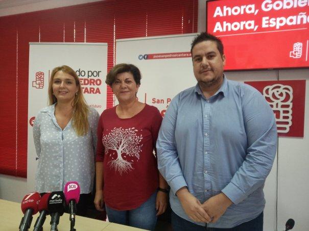 De izqda a drcha Ana Isabel González, Fuensanta Lima y Manuel García. FOTO/ RTV Marbella