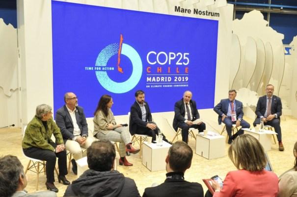 El asesor de Medio Ambiente del Ayto de Marbella, Baldomero León (segundo por la drcha) este martes en la mesa redonda en la que ha participado en la Cumbre del Clima en Madrid. FOTO/ Ayto de Marbella