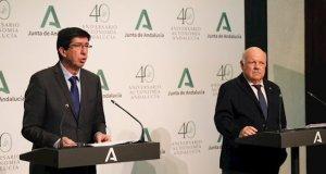 El vicepresidente de la Junta, Juan Marín, y el consejero de Salud, Jesús Aguirre, este miércoles en rueda de prensa. FOTO/ JUNTA