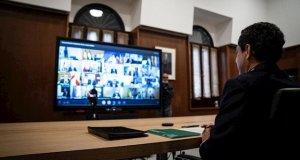 El presidente de la Junta, Juanma Moreno, durante la videconferencia de presidentes autonómicos con Pedro Sánchez este domingo. FOTO/ JUNTA