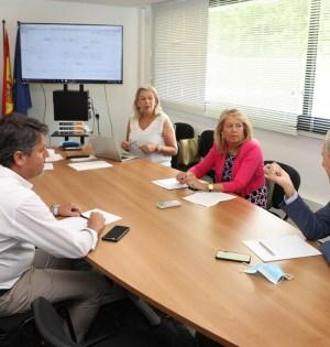 La alcaldesa de Marbella, Ángeles Muñoz, reunida este miércoles con los máximos responsables de la elaboración del PGOU. FOTO/ Ayto de Marbella