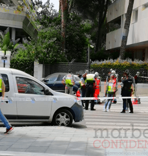 Imagen del lugar del suceso, con la víctima al fondo tumbada. FOTO/ CABANILLAS