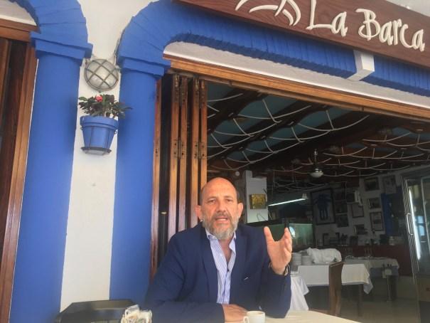 El presidente de OSP y portavoz municipal en Marbella, Manuel Osorio, tras la entrevista con Marbella Confidencial. FOTO/ CABANILLAS