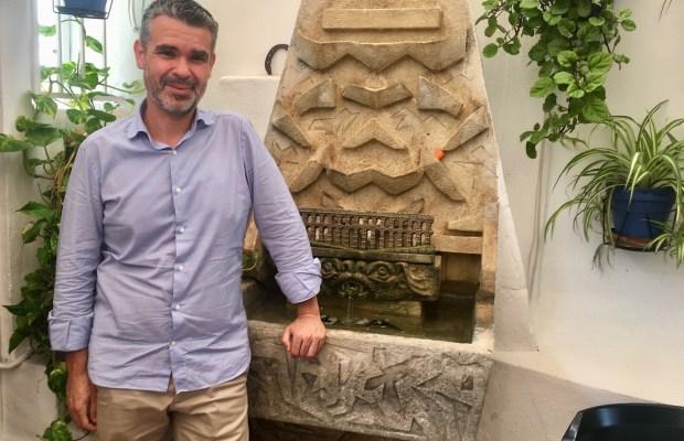 El exalcalde de Marbella, Pepe Bernal, tras la entrevista con Marbella Confidencial en el restaurante La Barca. FOTO/ CABANILLAS