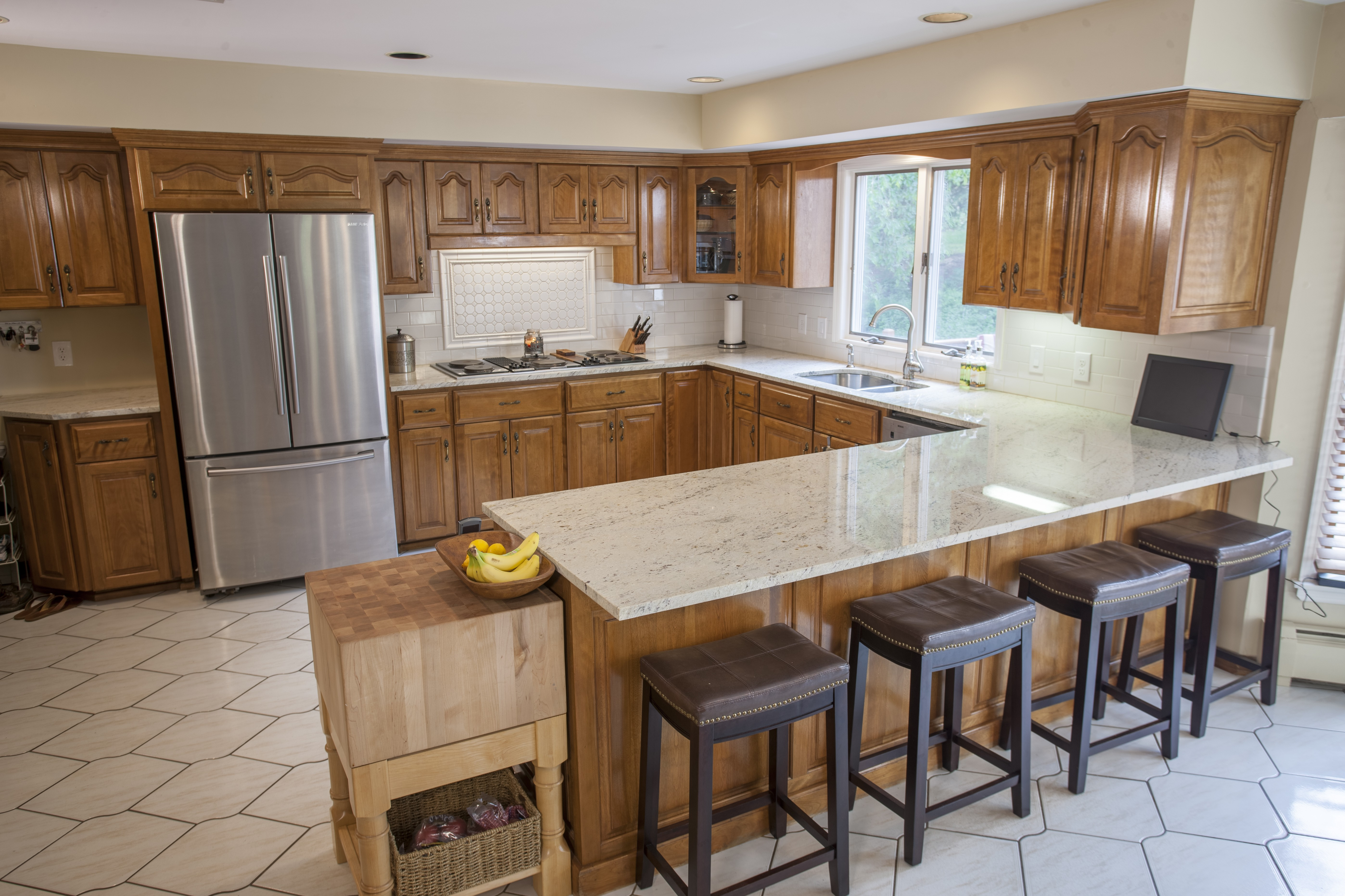 Top 5 Light Color Granite Countertops   Marble.com on What Color Cabinets Go Best With Black Granite Countertops  id=99415