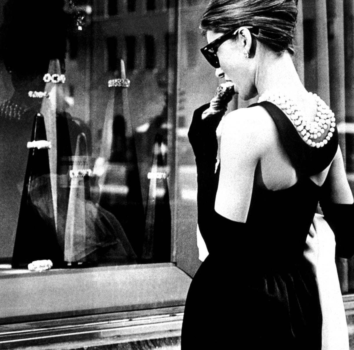annex__hepburn_audrey_breakfast_at_tiffanys