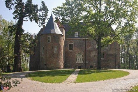 Het gerestaureerde kasteel Nederhemert