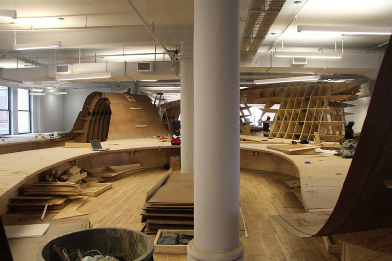 barbarian group nyc superdesk one giant office desk by clive wilkinson architects machineous (2)
