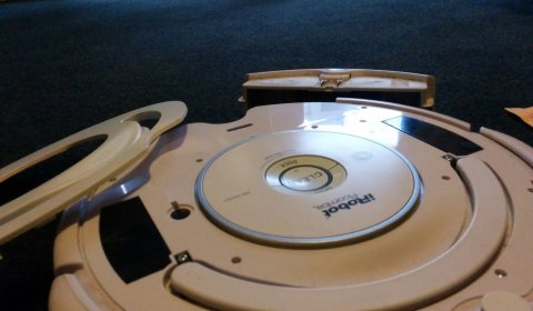 Open the roomba case