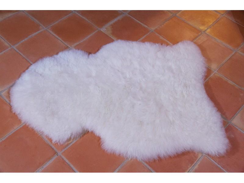 peau de mouton agneau blanc naturel 100cm poils courts tannage ecologique marchand de tapis