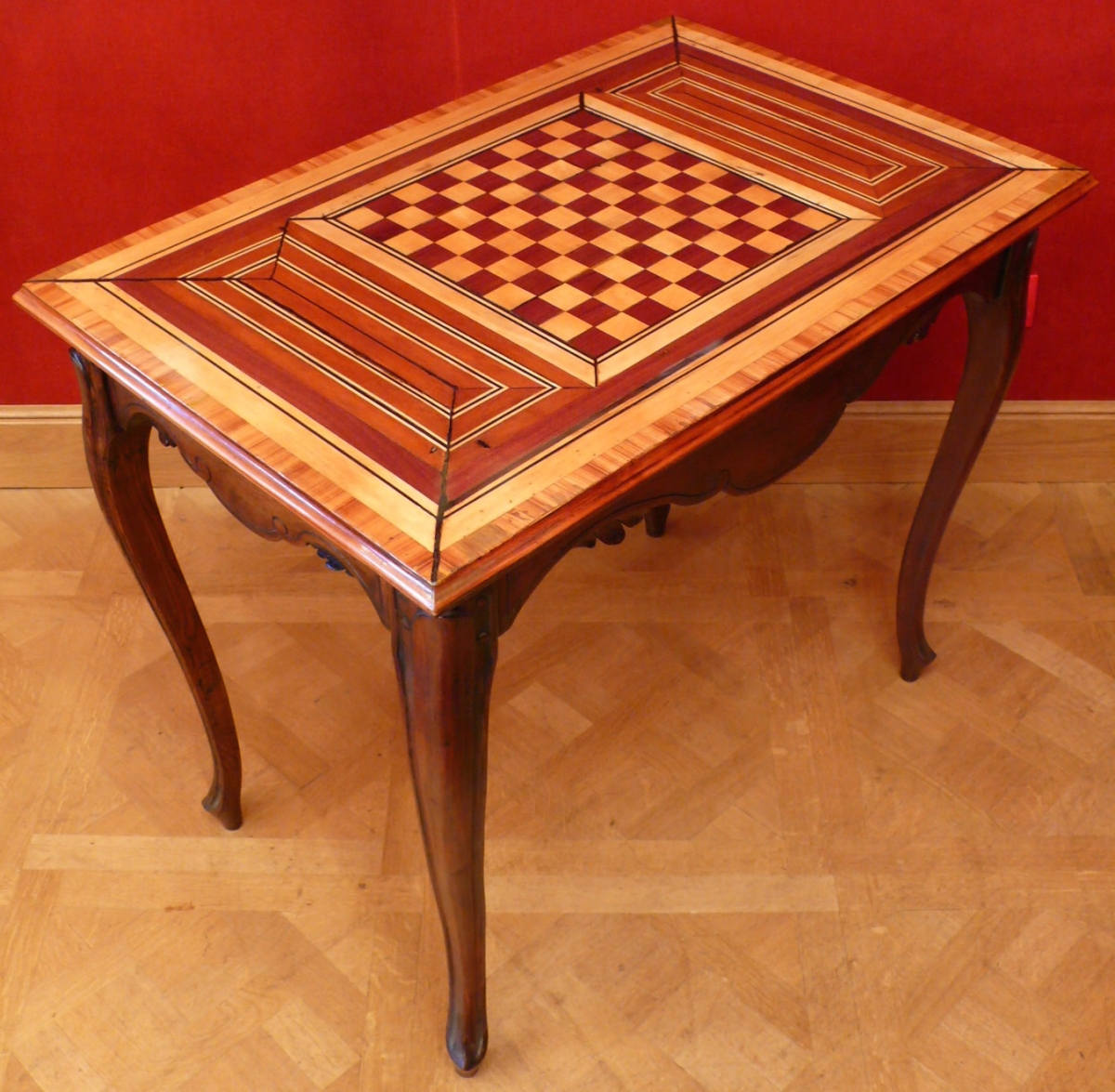 table a jeux ancienne 18e siecle style