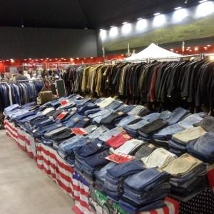 frip land cuir marche de la mode vintage jean