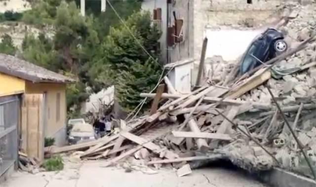La distruzione del terremoto a Pescara del Tronto