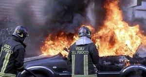 auto-fuoco-fiamme