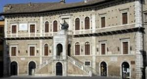 priori_palazzo_fermo