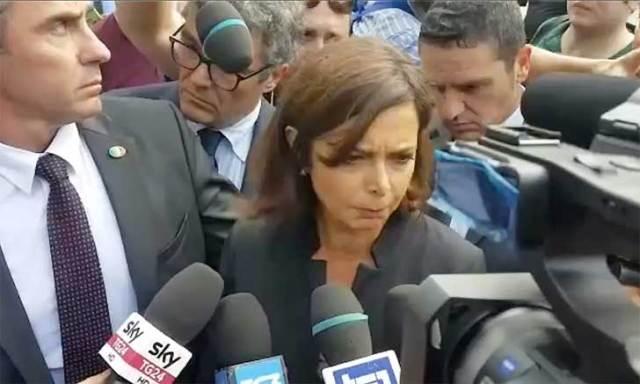 """La Boldrini al funerale: """" Fermo non è una città razzista"""""""