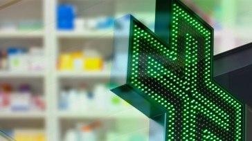Green Pass, lunghe code nelle farmacie di Pesaro
