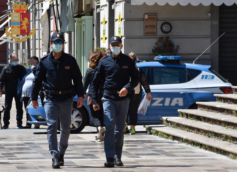 Polizia, controlli a Senigallia: espulso straniero irregolare