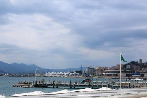 vue depuis la croisette de Cannes