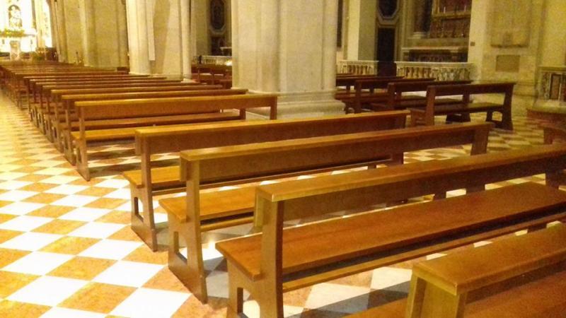 Contagi, la diocesi di Bari blocca Confessioni, Comunioni e Cresime