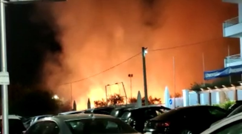 VIDEO   Rogo alle Fornaci, vigili del fuoco sul posto