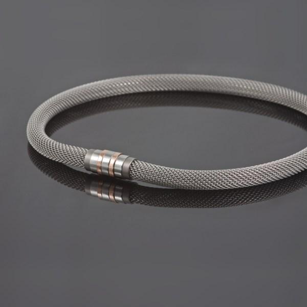 Collier 'Milanetic', 10 mm grijs, met grijs titanium en roodgoud